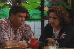 Joe Scully, Lyn Scully in Neighbours Episode 4004