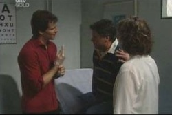 Darcy Tyler, Joe Scully, Lyn Scully in Neighbours Episode 4005