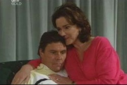 Joe Scully, Lyn Scully in Neighbours Episode 4006