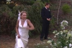 Steph Scully, Marc Lambert in Neighbours Episode 4008