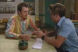 Stuart Parker, Tad Reeves in Neighbours Episode 4008