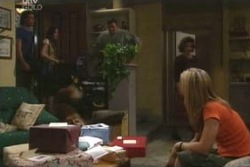 Drew Kirk, Libby Kennedy, Joe Scully, Lyn Scully, Steph Scully in Neighbours Episode 4011
