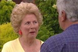 Valda Sheergold, Lou Carpenter in Neighbours Episode 4012