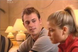 Stuart Parker, Felicity Scully in Neighbours Episode 4012