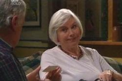 Lou Carpenter, Rosie Hoyland in Neighbours Episode 4015