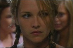 Lyn Scully, Steph Scully, Felicity Scully in Neighbours Episode 4017