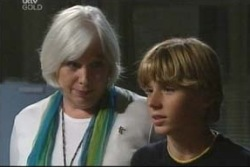 Boyd Hoyland, Rosie Hoyland in Neighbours Episode 4021