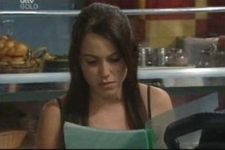 Libby Kennedy in Neighbours Episode 4025