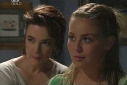 Lyn Scully, Michelle Scully in Neighbours Episode 4027