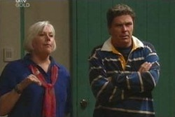 Joe Scully, Rosie Hoyland in Neighbours Episode 4029