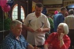 Lou Carpenter, Toadie Rebecchi, Rosie Hoyland in Neighbours Episode 4030