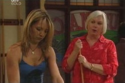 Steph Scully, Rosie Hoyland in Neighbours Episode 4030