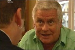 Lou Carpenter, Toadie Rebecchi in Neighbours Episode 4034