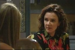 Lyn Scully, Felicity Scully in Neighbours Episode 4034