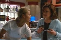 Felicity Scully, Lyn Scully in Neighbours Episode 4040