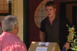 Lou Carpenter, Nathan Tyson in Neighbours Episode 4040