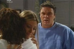 Lyn Scully, Felicity Scully, Joe Scully in Neighbours Episode 4043