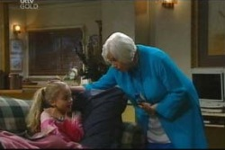 Rosie Hoyland, Summer Hoyland in Neighbours Episode 4046