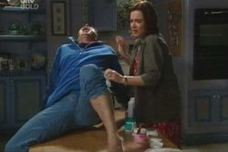 Joe Scully, Lyn Scully in Neighbours Episode 4047