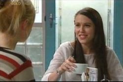 Libby Kennedy in Neighbours Episode 4050