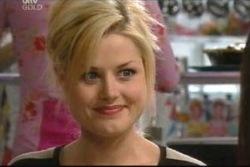 Dee Bliss in Neighbours Episode 4050