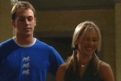 Stuart Parker, Steph Scully in Neighbours Episode 4053