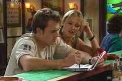 Stuart Parker, Steph Scully in Neighbours Episode 4060