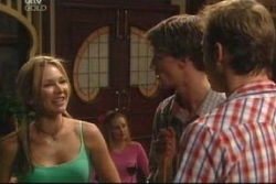 Steph Scully, Ray Milsome, Stuart Parker in Neighbours Episode 4061
