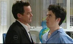Paul Robinson, Stingray Timmins in Neighbours Episode 4718