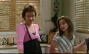 Lyn Scully, Summer Hoyland in Neighbours Episode 4720
