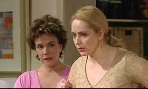 Lyn Scully, Janelle Timmins in Neighbours Episode 4720