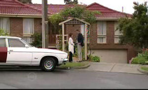 Susan Kennedy, Bobby Hoyland in Neighbours Episode 4720