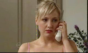 Sindi Watts in Neighbours Episode 4722