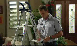 Stuart Parker in Neighbours Episode 4722