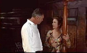 Bobby Hoyland, Lyn Scully in Neighbours Episode 4736