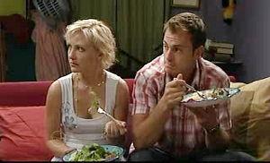 Sindi Watts, Stuart Parker in Neighbours Episode 4745