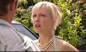 Stuart Parker, Sindi Watts in Neighbours Episode 4750