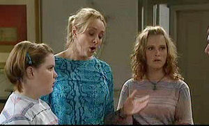 Bree Timmins, Janelle Timmins, Janae Timmins in Neighbours Episode 4756