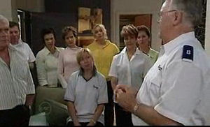 Lou Carpenter, Lyn Scully, Susan Kennedy, Janelle Timmins, Harold Bishop in Neighbours Episode 4760
