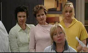 Lyn Scully, Susan Kennedy, Janelle Timmins in Neighbours Episode 4760