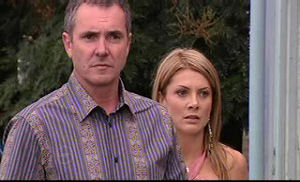 Karl Kennedy, Izzy Hoyland in Neighbours Episode 4762