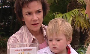 Lyn Scully, Oscar Scully in Neighbours Episode 4767