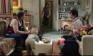 Joe Mangel, Oscar Scully, Dylan Timmins, Lyn Scully in Neighbours Episode 4776