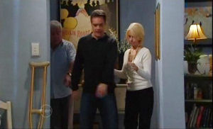 Lou Carpenter, Paul Robinson, Lucy Robinson in Neighbours Episode 4778