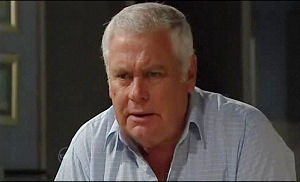 Lou Carpenter in Neighbours Episode 4778