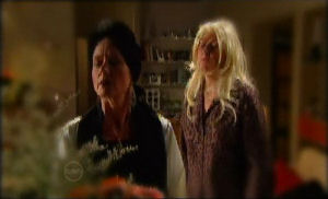 Susan Kennedy, Janelle Timmins in Neighbours Episode 4778