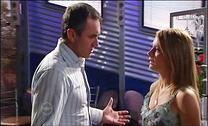 Izzy Hoyland, Karl Kennedy in Neighbours Episode 4778