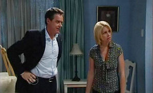Paul Robinson, Lucy Robinson in Neighbours Episode 4780
