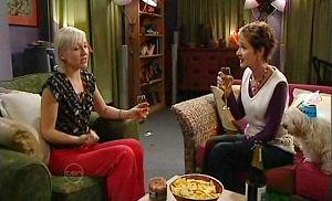 Sindi Watts, Susan Kennedy in Neighbours Episode 4780