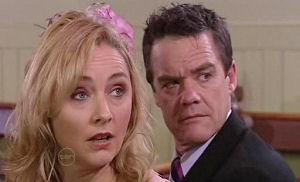 Paul Robinson, Janelle Timmins in Neighbours Episode 4782